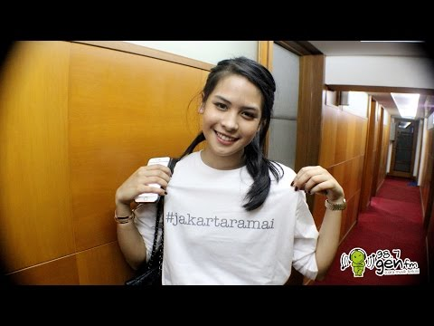 Maudy Ayunda (LIVE) + Lyrics -