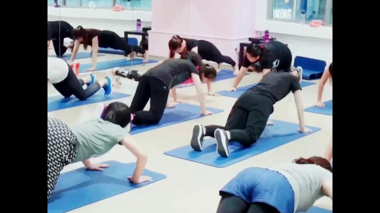 :臺中健身 私人健身教練課程& Zumba有氧健身舞 Minini三媂健身工作室 女健身教練 - YouTube