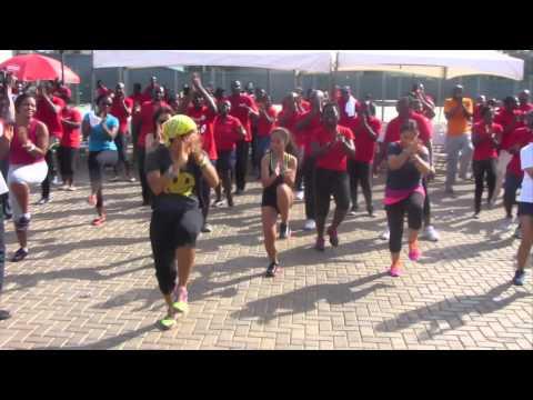 Zumba Fitness with Quiana - Happy Dance (Accra, Ghana)