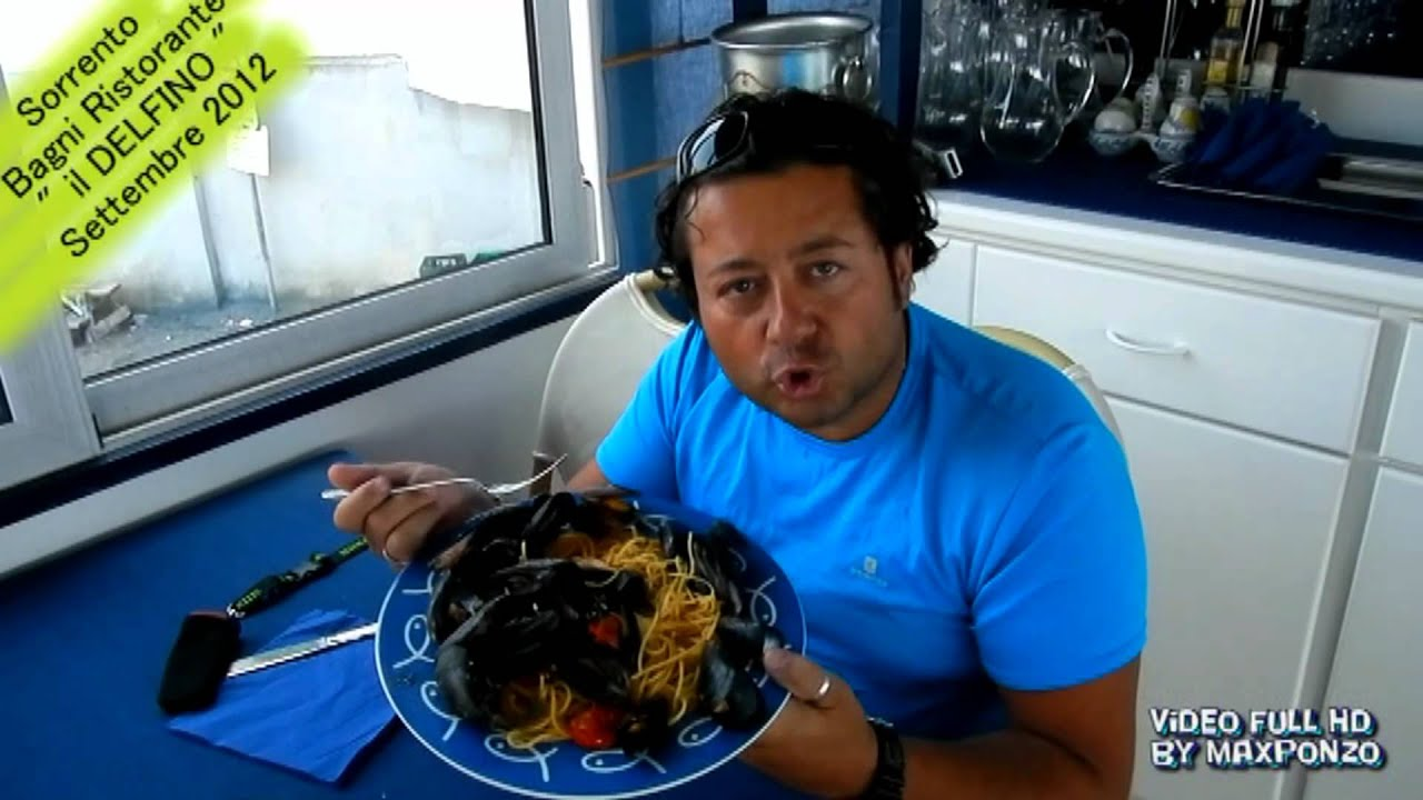 Sorrento marina grande ristorante il delfino & max palomo video full