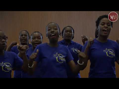 Dr Harrison Mwakyembe Akiimba na Kinondoni Revival Choir - Sitakufa Bali Nitaishi