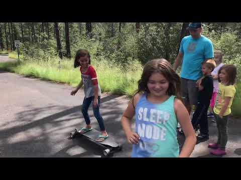 Anya & Miley eLongboarding