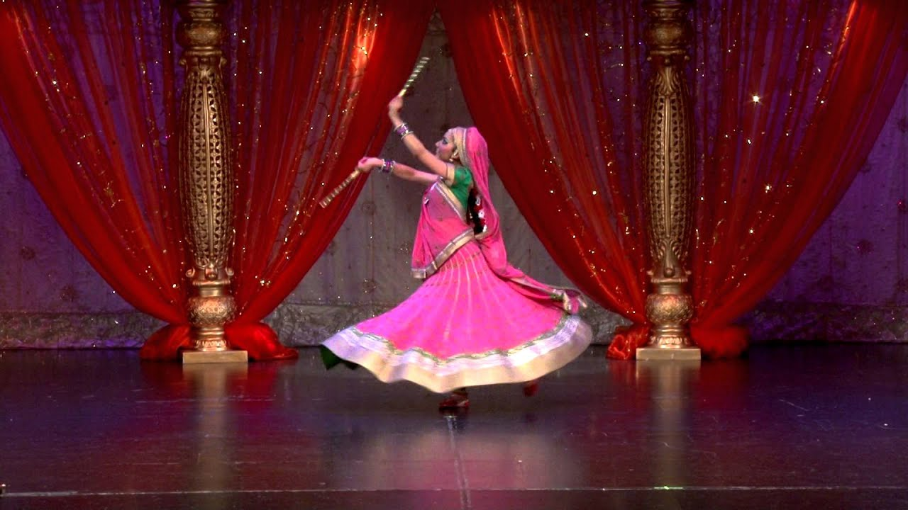 Bharatanatyam arangetram of prachi kruti dance academy for Arangetram stage decoration ideas