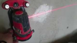 лазерный уровень, тест как проверить и отрегулировать плоскость. Laser Levelling secrets.(видео о том, как настроить лазерный нивелир. Мало кто знает что лазерный уровень может повышать или понижат..., 2014-04-10T12:51:27.000Z)