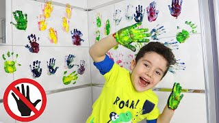 Yusuf colored the wall with Painted Hands