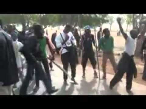 Shiites Attacking Nigerian Army Chief Convoy