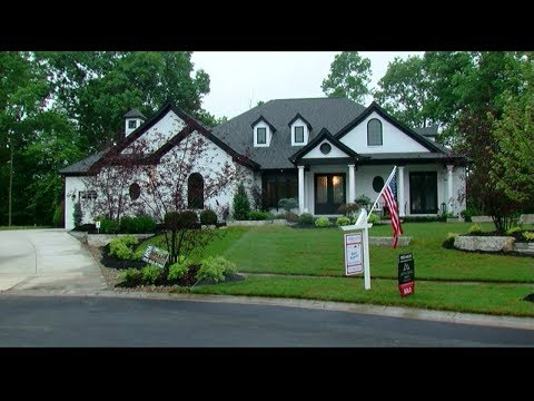 HOMEARAMA at Rivercrest offers luxury and outdoor living spaces