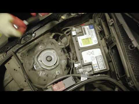Замена аккумулятора на Mercedez-Benz E Class W212 (2009-2016 гг.), C Class W204 (2007-2014 гг.)