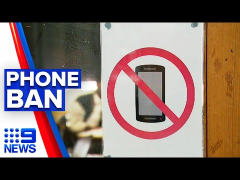 Mobile phones banned in primary school next year | 9 News Au