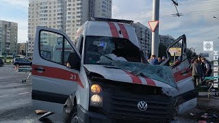В Витебске такси столкнулось с автомобилем скорой помощи (14.08.2019)