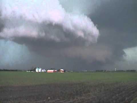 Rotating Wall Cloud, Yorkville Illinois, June 2013