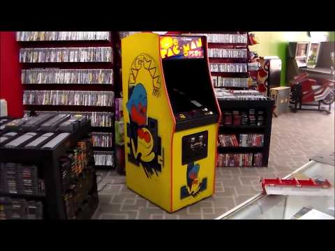 Midway's Crazy Pac-Man Plus Arcade Game Cabinet!  1982 Classic!