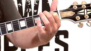 free guitar lessons - how to pay a e chord