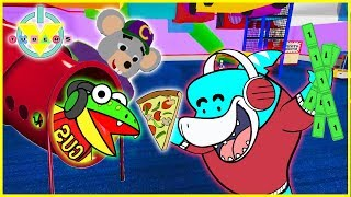 Roblox Chuck E Cheese GAMES + PIZZA Let's Play with VTubers Big Gil Vs Gus