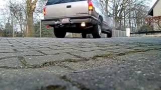 Chevrolet Tahoe 5 7 V8 Exhaust Sound Auspuff blubbern