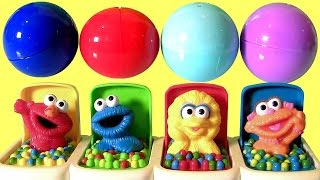 Repeat youtube video Funtoys Sesame Street Talking Pop-Up Pals Toys Surprise Elmo, Cookie Monster by Funtoyscollector