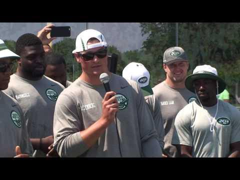 New York Jets Christian Hackenberg & Darron Lee Address Kids at NFL Play 60 Event