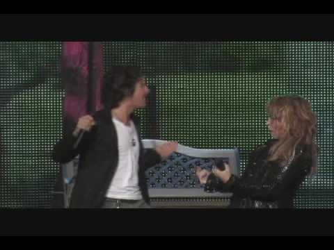 Ednita Nazario y Tommy Torres - Pegadito (en vivo desde el Coliseo de PR)