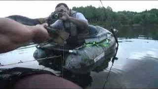 TOP WATER BASS FISHING 滋賀の野池で今年最大サイズ! thumbnail