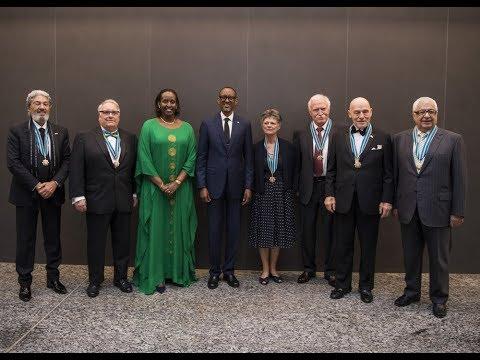 Ku nshuro ya mbere, Perezida Paul Kagame yatanze Impeta z'Ishimwe ry'ubucuti ziswe 'Igihango