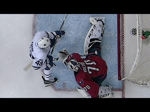 Gardiner's goal counts after review overturns call on the ice
