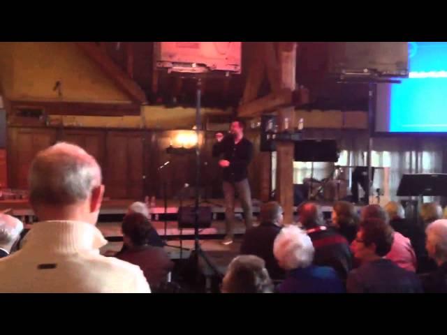 Zanger Niels van Kollenburg zingt Amsterdamse medley @ Drunen