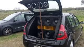 Sandero con 6 Spyder Kaos 2.0k 12 - Soundigital SD12k