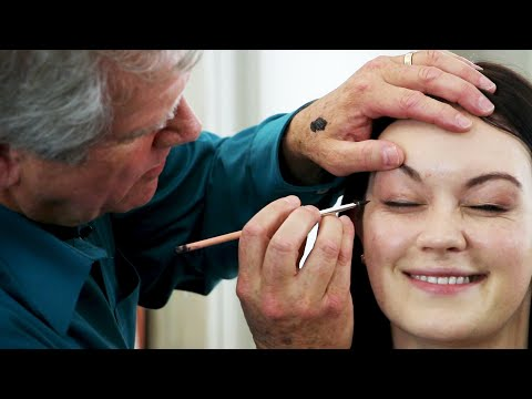 Download Youtube: Dads Learn To Do Their Daughters' Makeup