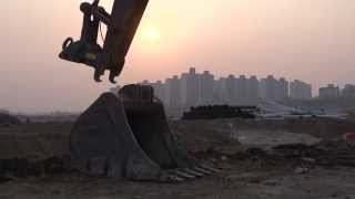 Volvo E-series compact excavators: mix and match