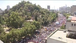 Manifestaciones en centro de Santiago en medio de paro nacional