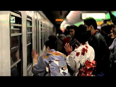 Delirio in metropolitana! Siamo a Milano o a Tokyo?