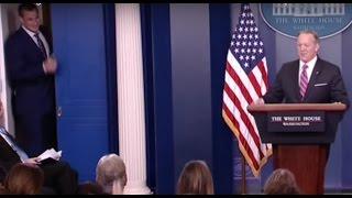 rob gronkowski crashes sean spicer s wh press briefing