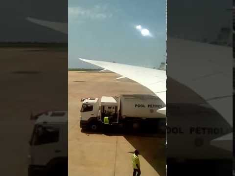 Reabastecimento da aeronave em Lomé, capital do Togo.