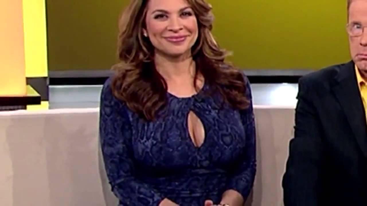 Carolina Bermudez Huge Post-Pregnancy Boobs  Cleavage 11 -2160