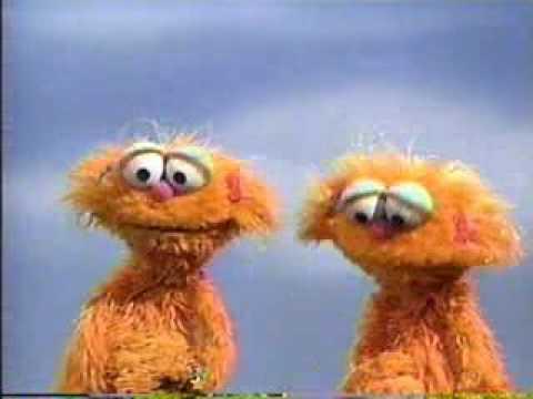 Sesame Street - Zoe demonstrates