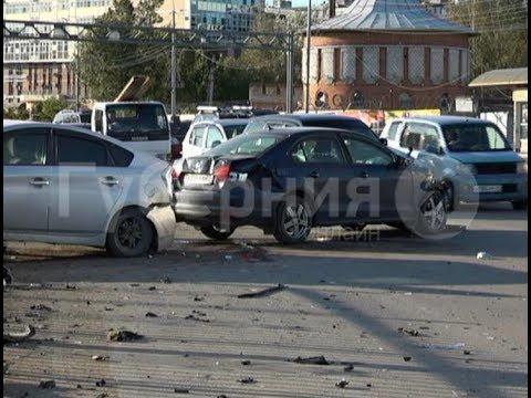 В спорном ДТП на Пионерской пострадал хабаровчанин за рулем немецкого седана. Mestoprotv