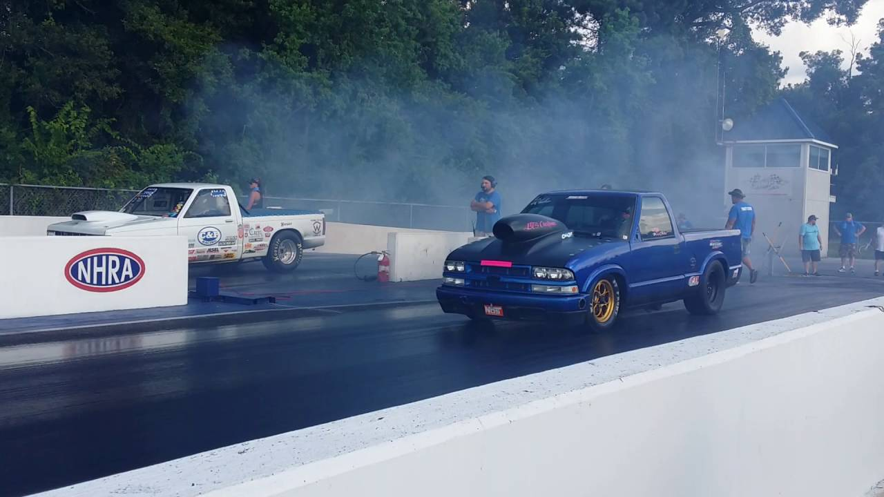 UP CLOSE -- Chevy s10 vs Chevy s10 Drag Race