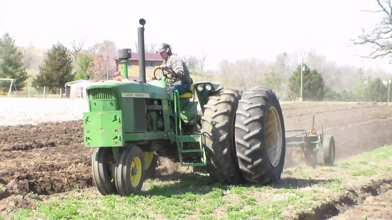 John Deere 4020 Turbo Diesel Plowing Youtube