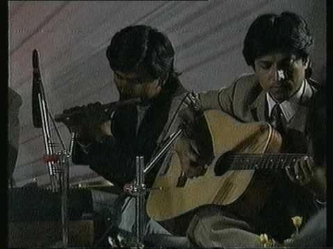 ARUN THAPA , timi herchow bhane,ORIGINAL VERSION( rare video clip)Live, song no.2
