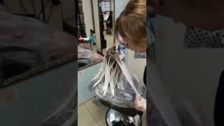 Сложное окрашивание волос,  растяжка цвета,  тонирование.