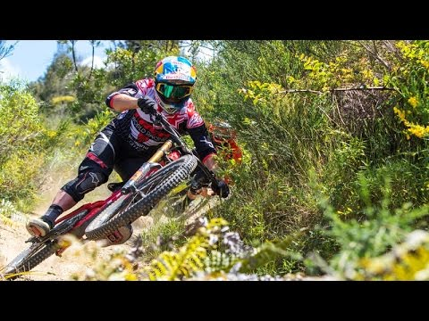 Bulldog and Blinky Ride Te Ranga   Downhill MTB