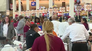 Last Minute Thanksgiving Shoppers Starting To Flock To Grocery Stores