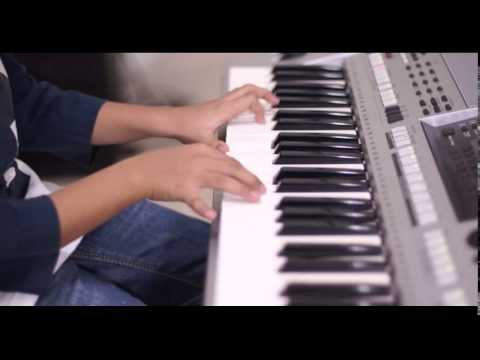 Instrument Piano lagu Bunda - by Moreno