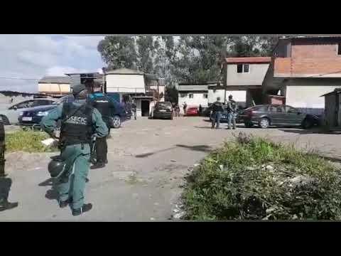 Primera incursión policial en O Vao tras los altercados del lunes