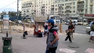Индейцы в Москве, метро Авиамоторная.(, 2013-07-18T20:08:47.000Z)