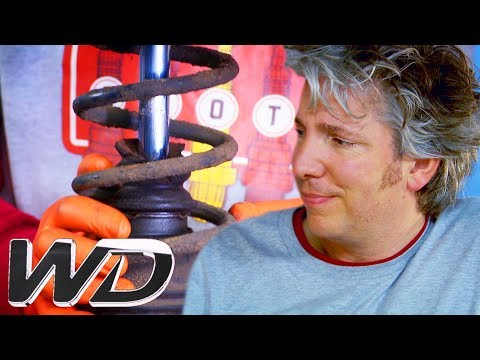 Sorting Out The Suspension On A Porsche 993 | Wheeler Dealers