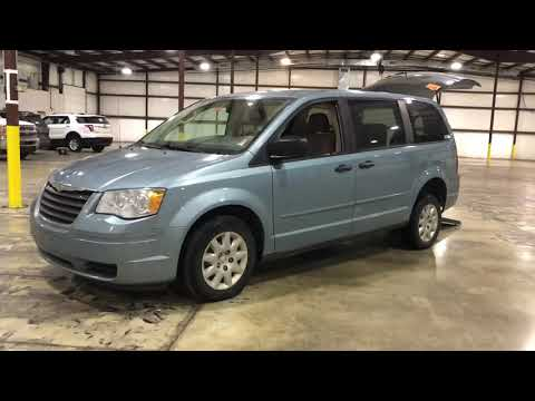 2008 Chrysler Town & Country Manual Rear Entry Wheelchair Mobility Accessible w/ EZ lock system