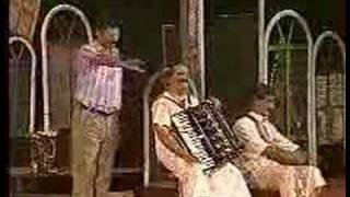 مسرحية بيت وخمس بيبان