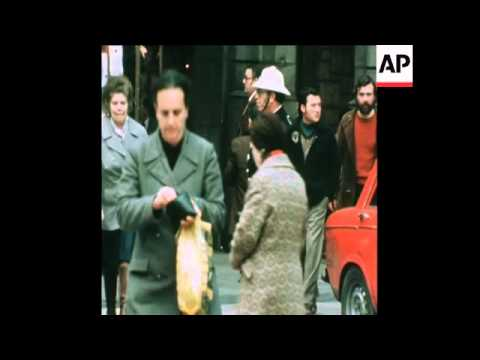 SYND 20 2 76 KING JUAN CARLOS IN BARCELONA AS CATALAN AND CENTRALIST SAPORTERS PROTEST