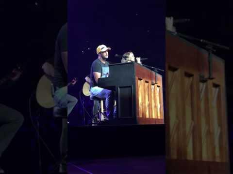 Luke Bryan & Carrie Underwood - I Told You So 5/6/17